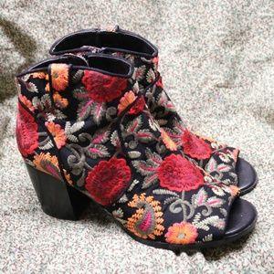 Floral Crown Vintage Peep Toe Booties Frankie 7.5